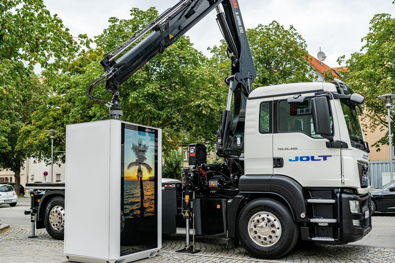 JOLT Energy launcht speicherbasierte Hochleistungsladesäule MerlinOne
