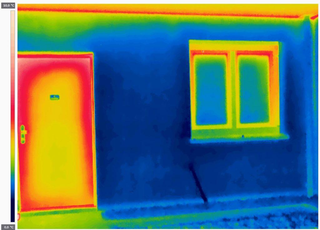 Außenseite einer Eigentumswohnung – Türe für den Außenbereich nicht geeignet